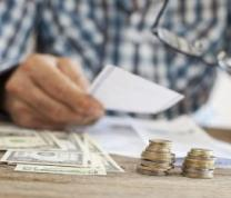 Financial Literacy for the Real World: Managing Personal Finances in Spanish