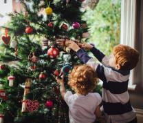 Decorate the St. Albans Christmas Tree