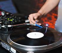 Hip Hop: DJ Livestream with Ralph McDaniels: Quarantine Set